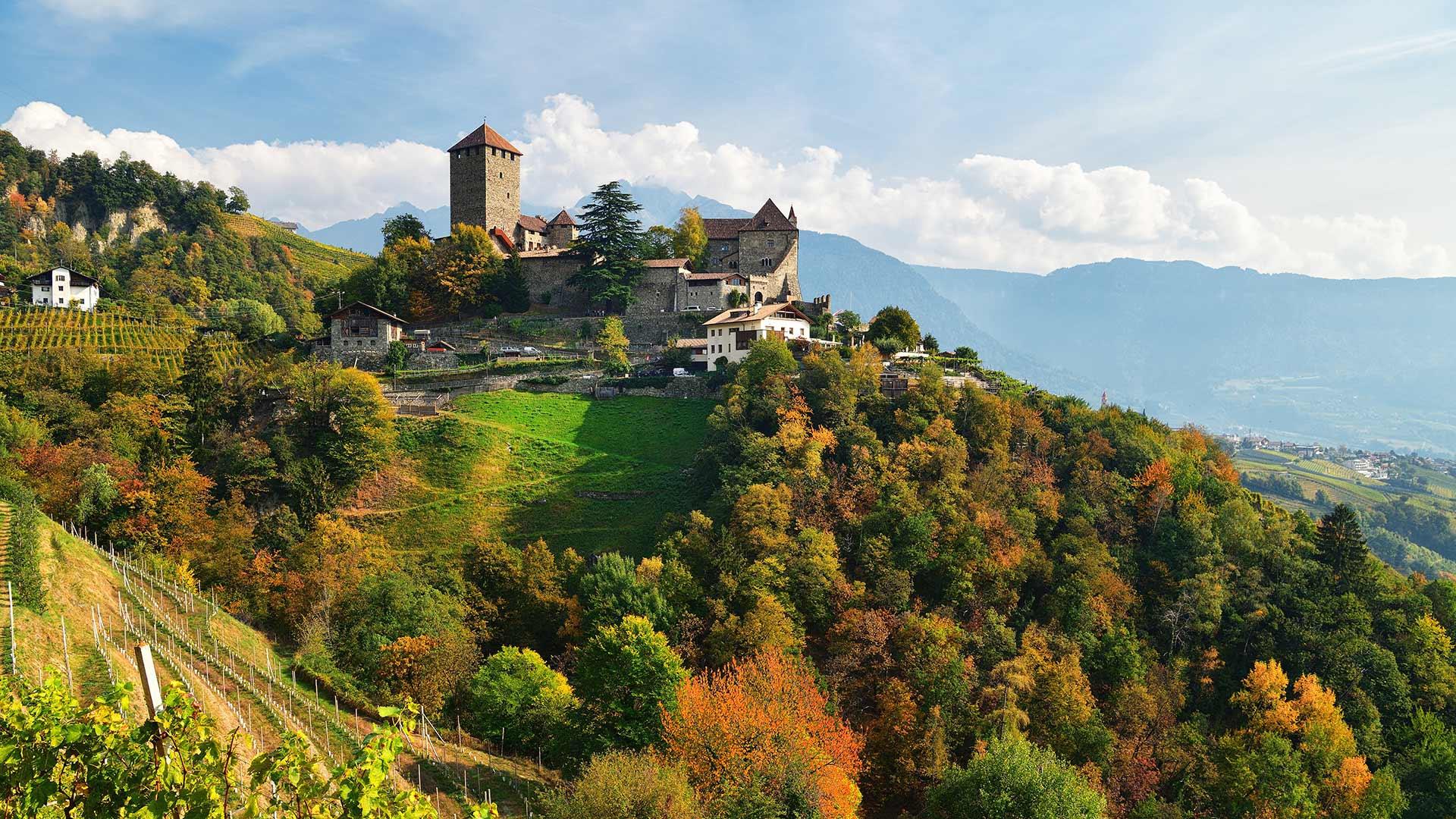 Castel Tirolo in autunno