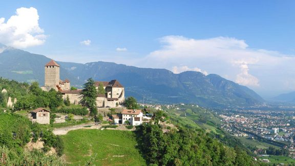 Vista sul Castel Tirolo