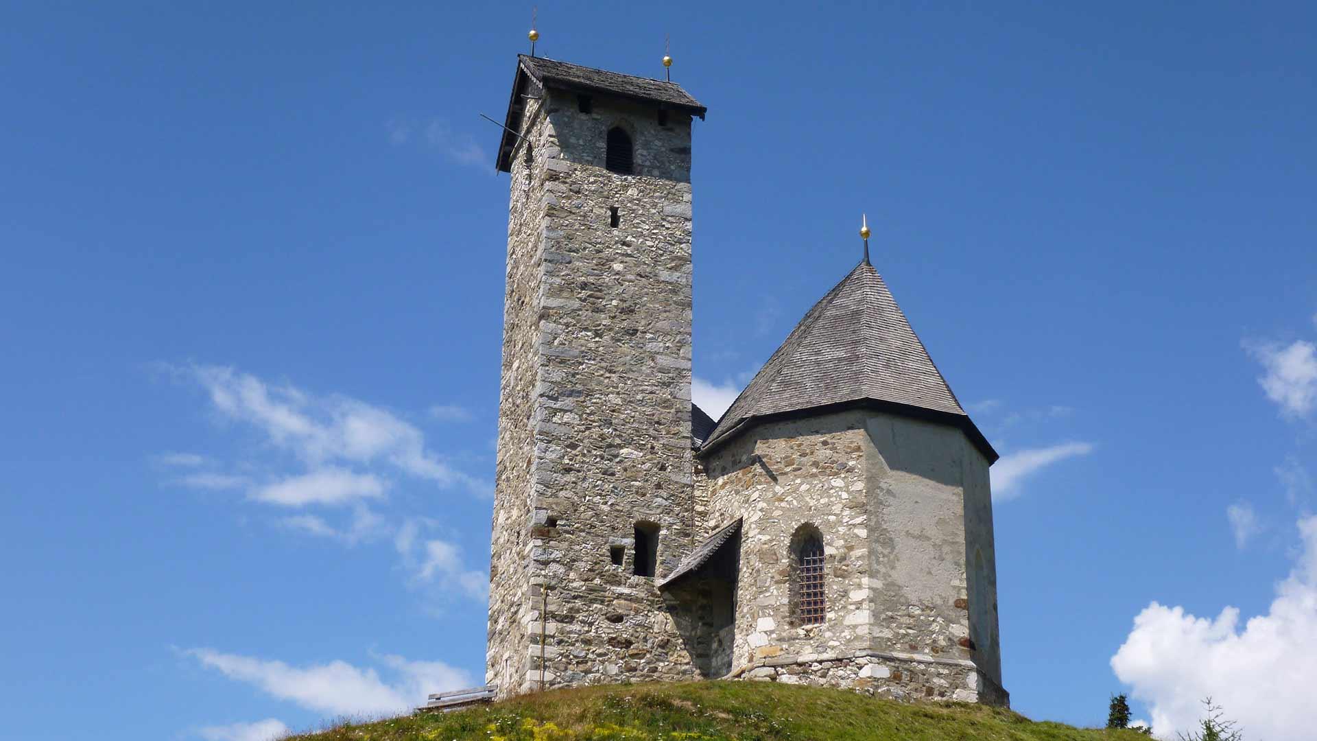 La chiesetta di San Vigilio a Monte San Vigilio presso Lana