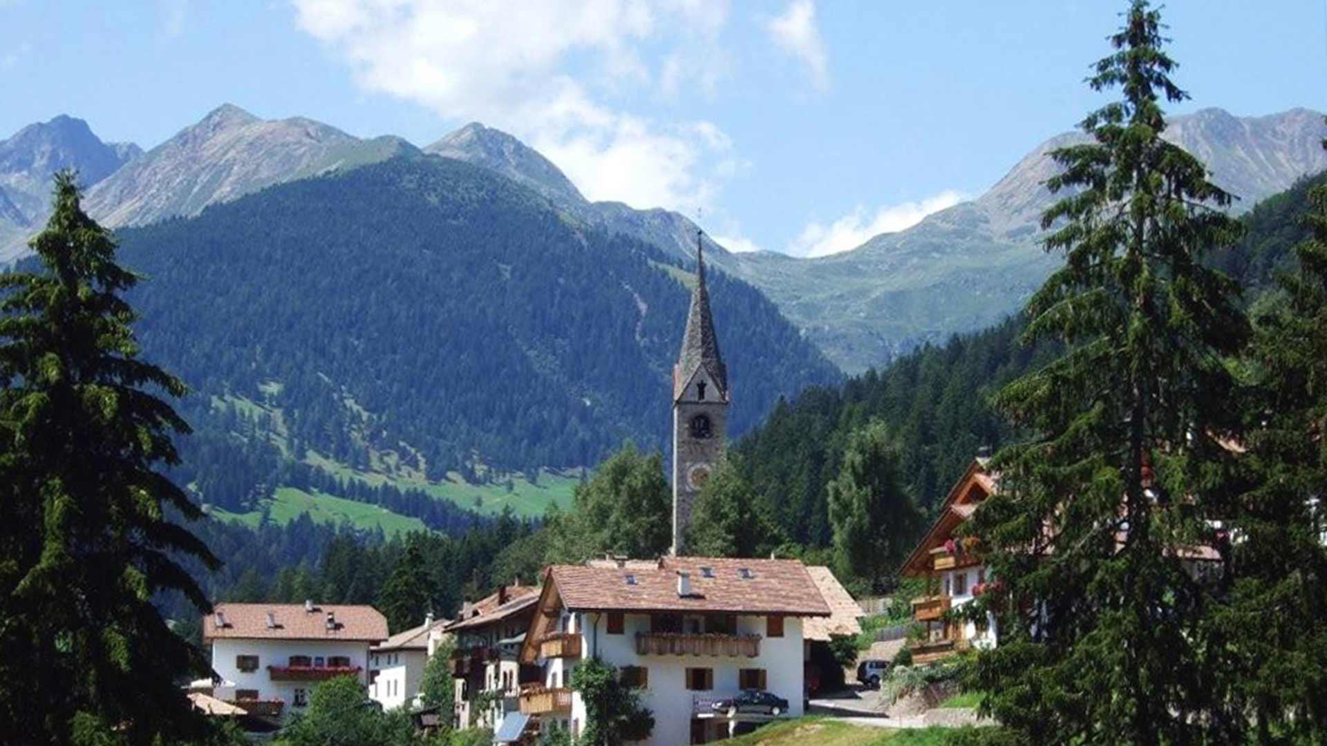 Vista sulla chiesa - Lauregno