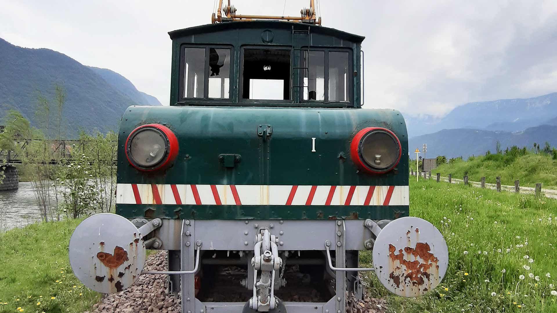 La locomotiva storica della ferrovia Lana-Postal