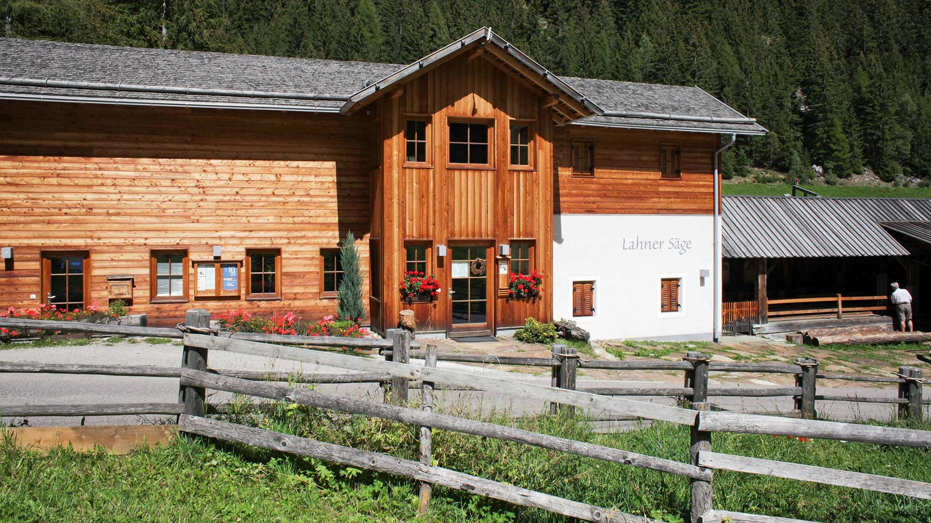"""Centro visite """"Lahnersäge"""" in Val d'Ultimo"""