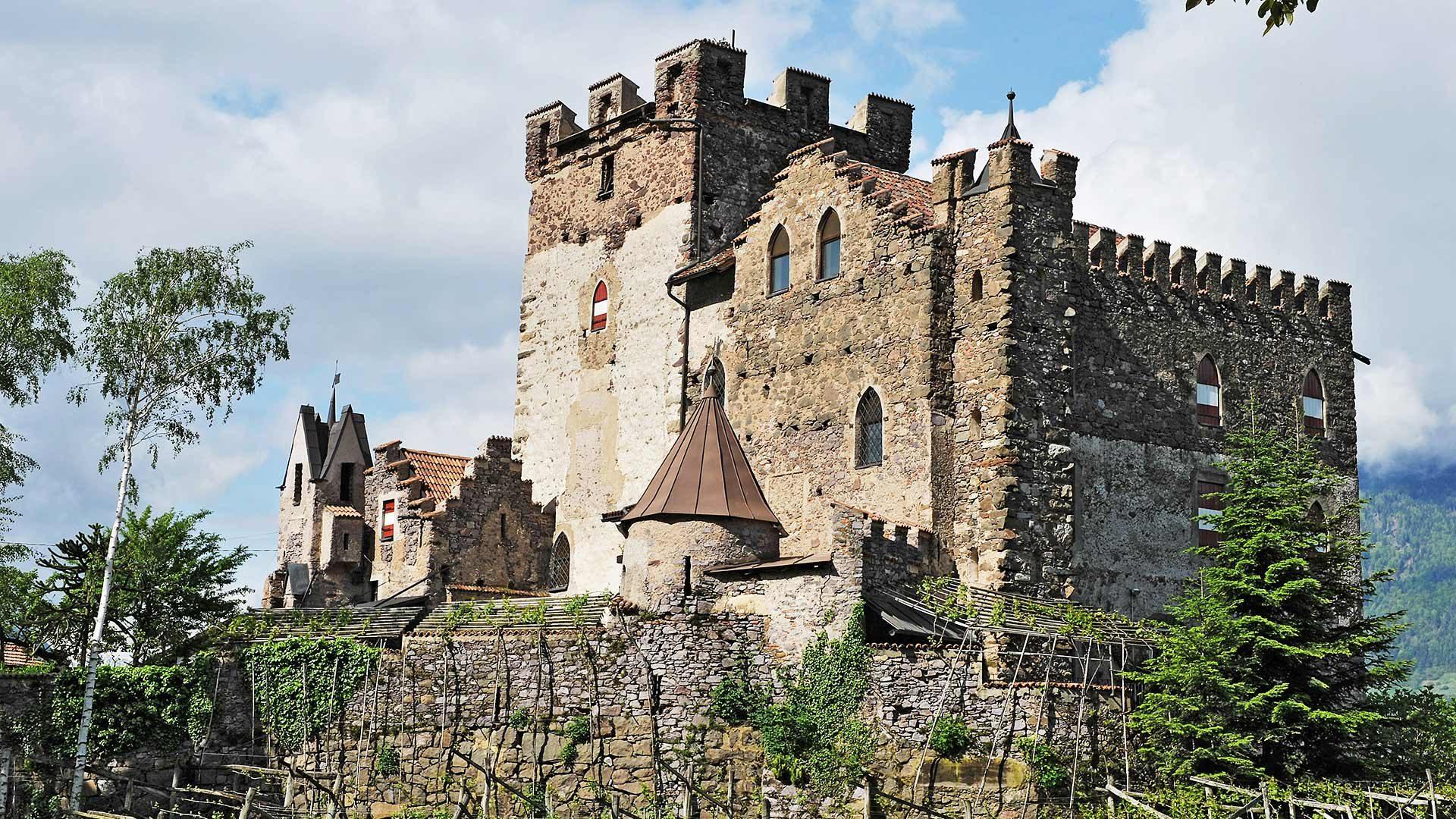 Vista sul Castel Scena