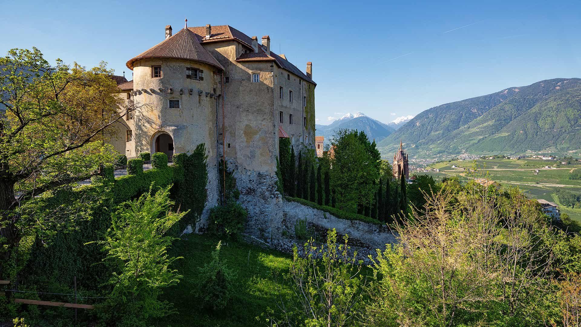 Castel Scena e Mausoleo
