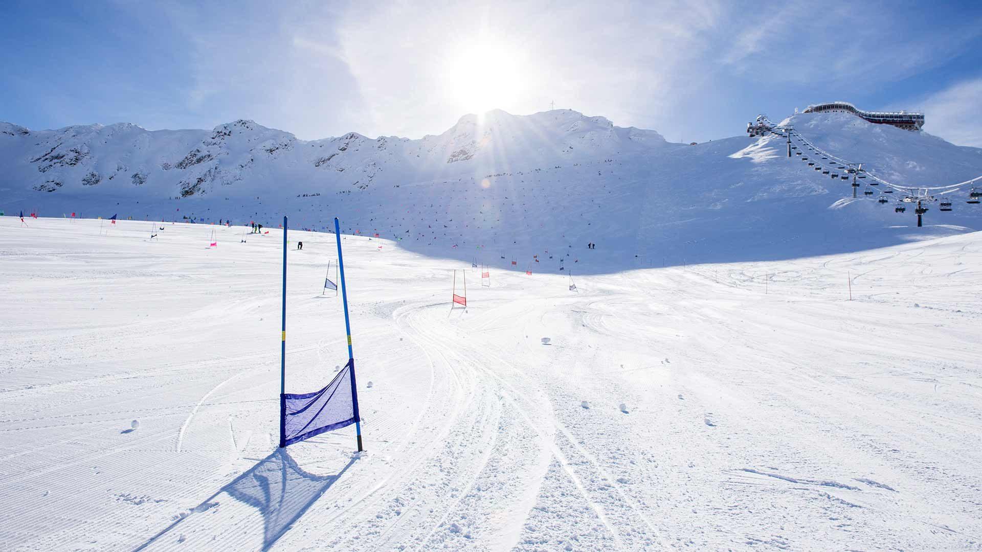 Sciare sul ghiacciaio in Alto Adige