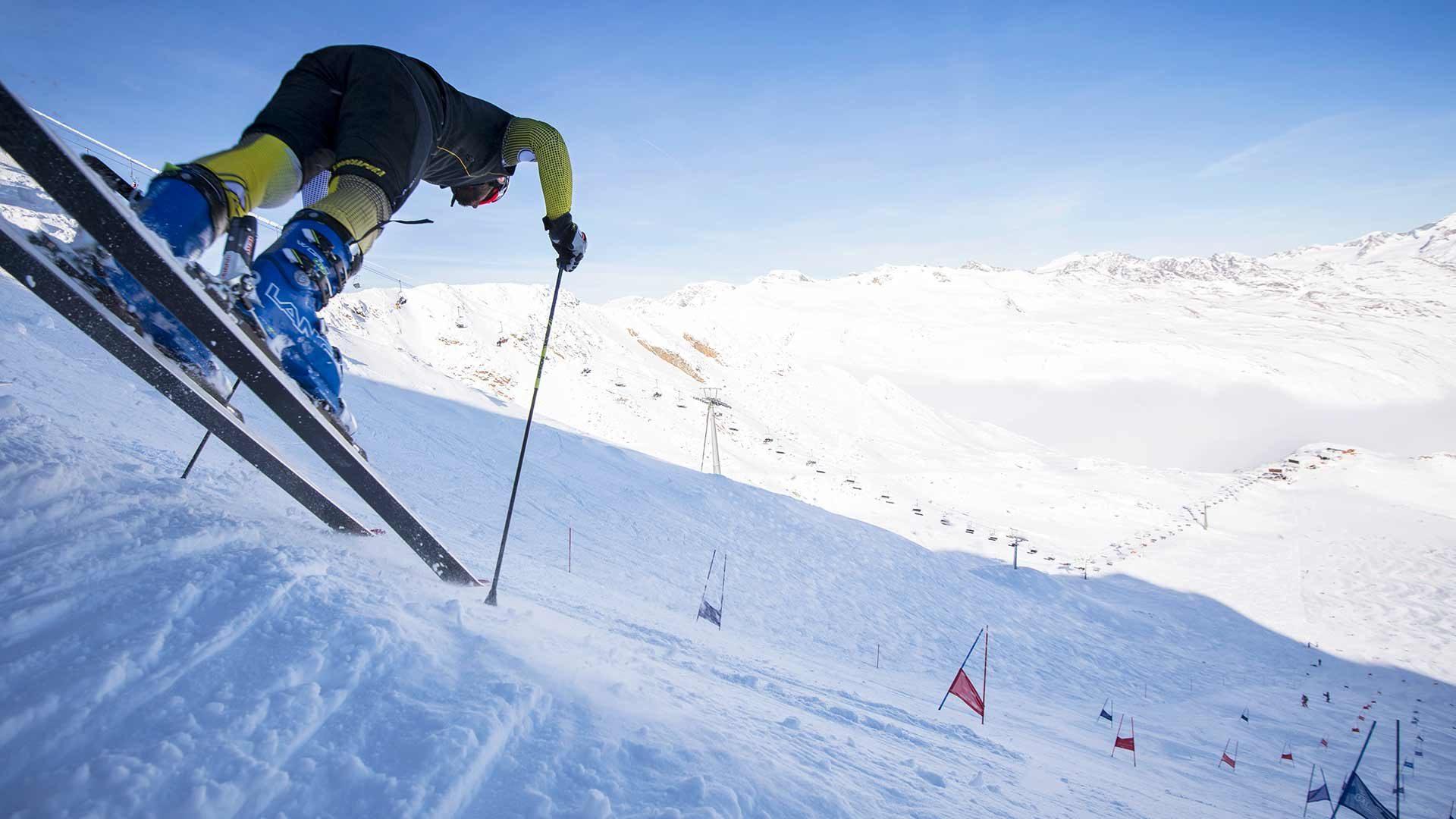 Sciare sul ghiacciaio della Val Senales