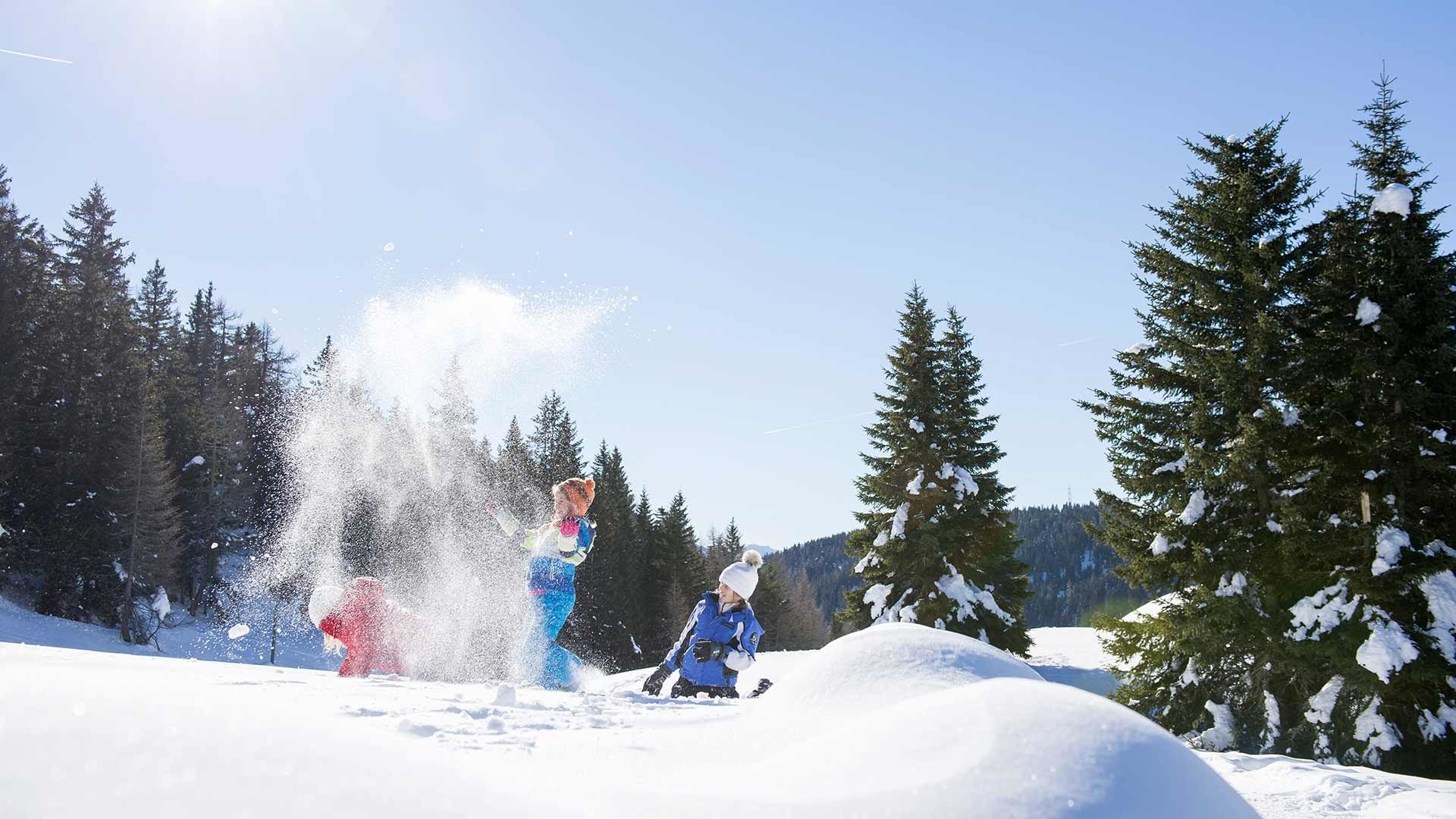 Divertimento sugli sci al Monte San Vigilio