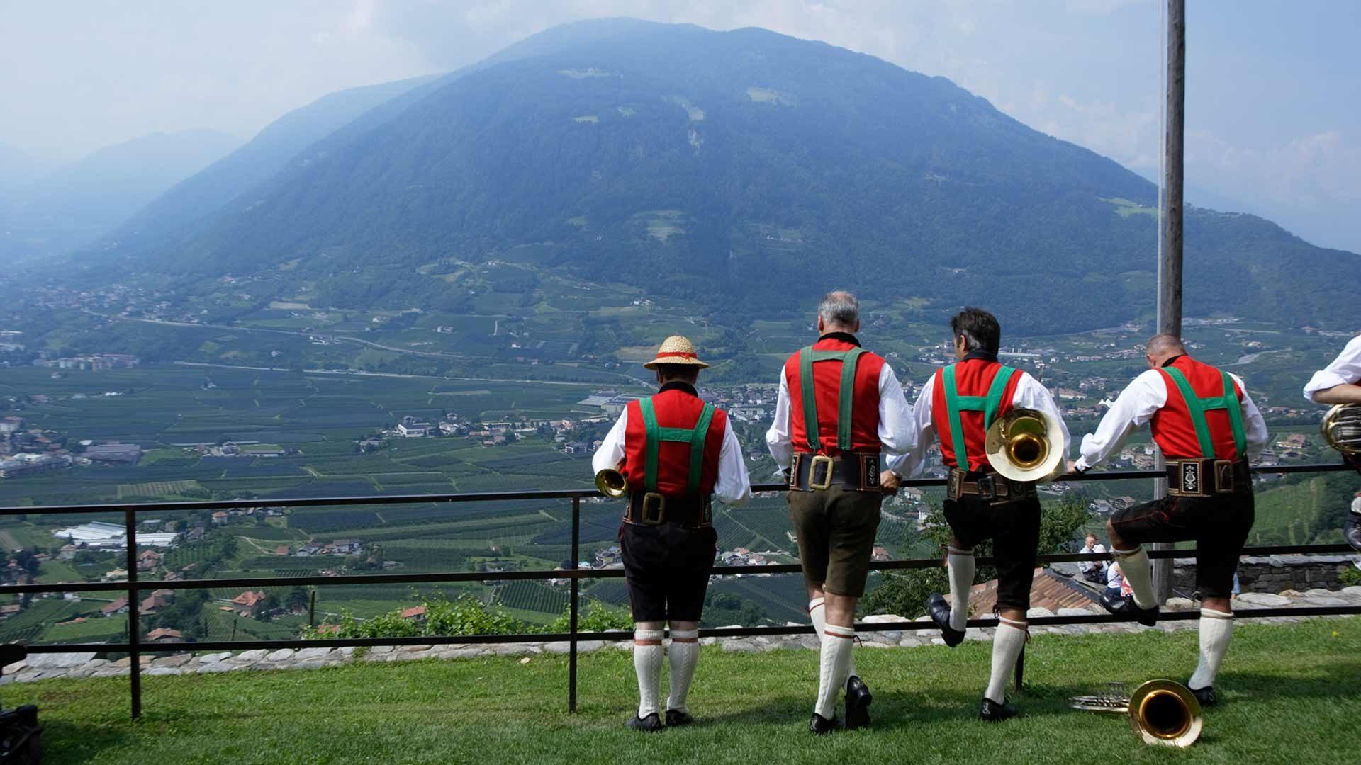 Musica, canti e danze popolari a Castel Tirolo