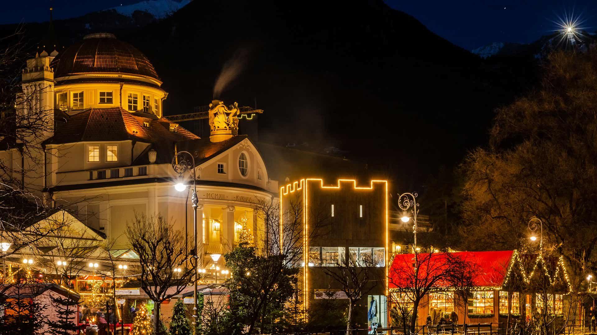 Atmosfera serale - Mercatino di Natale a Merano in Alto Adige