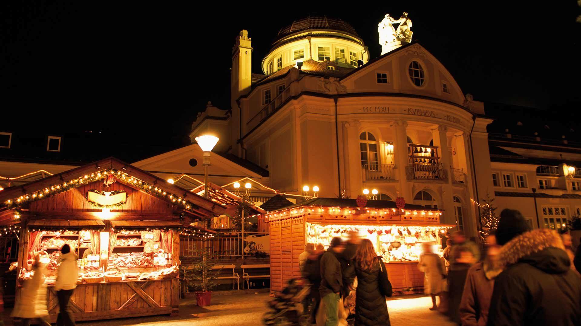 Mercatino di Natale - Atmosfera serale al Kurhaus