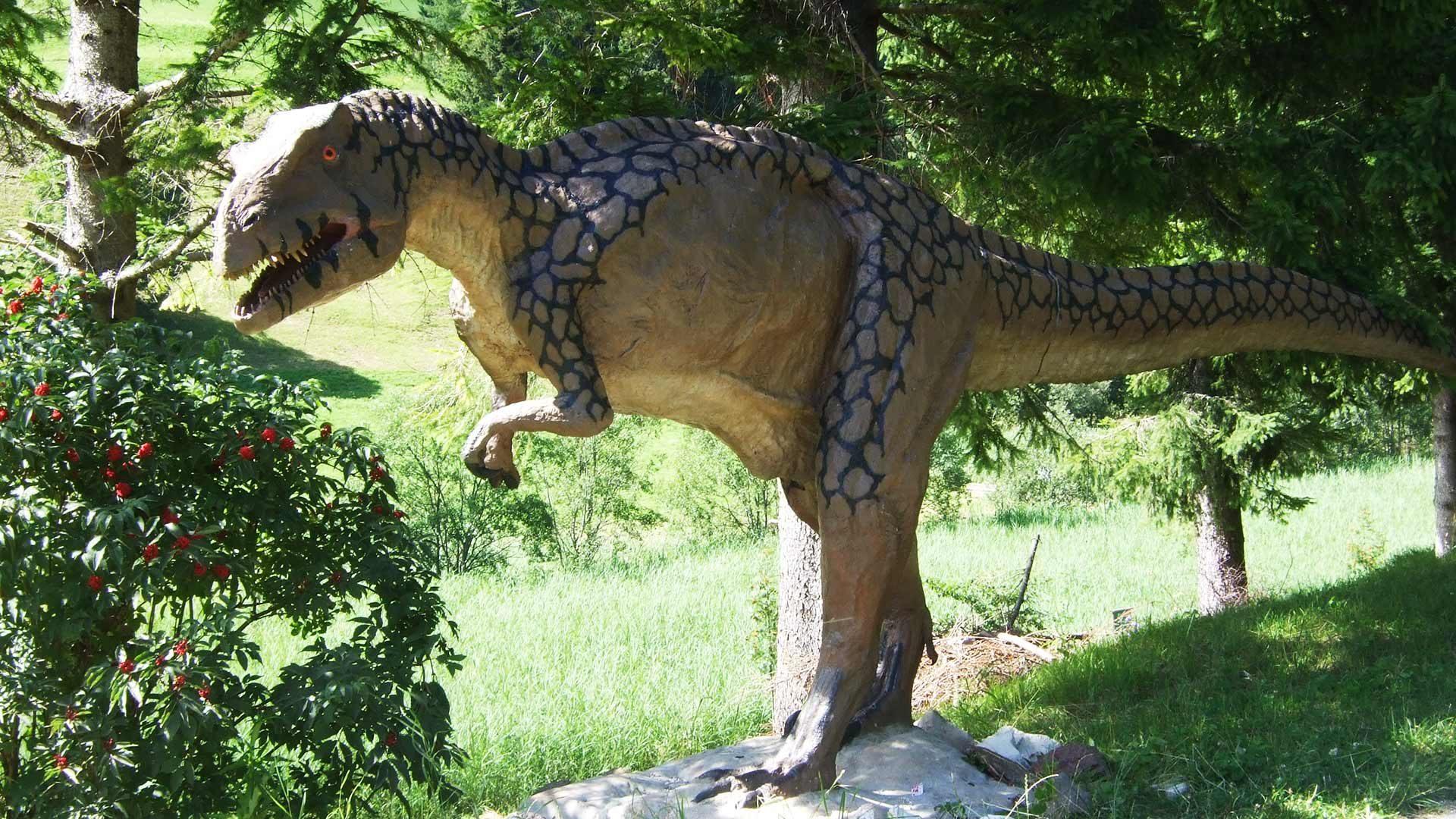 """Sentiero dei dinosauri """"Triassic Park"""""""